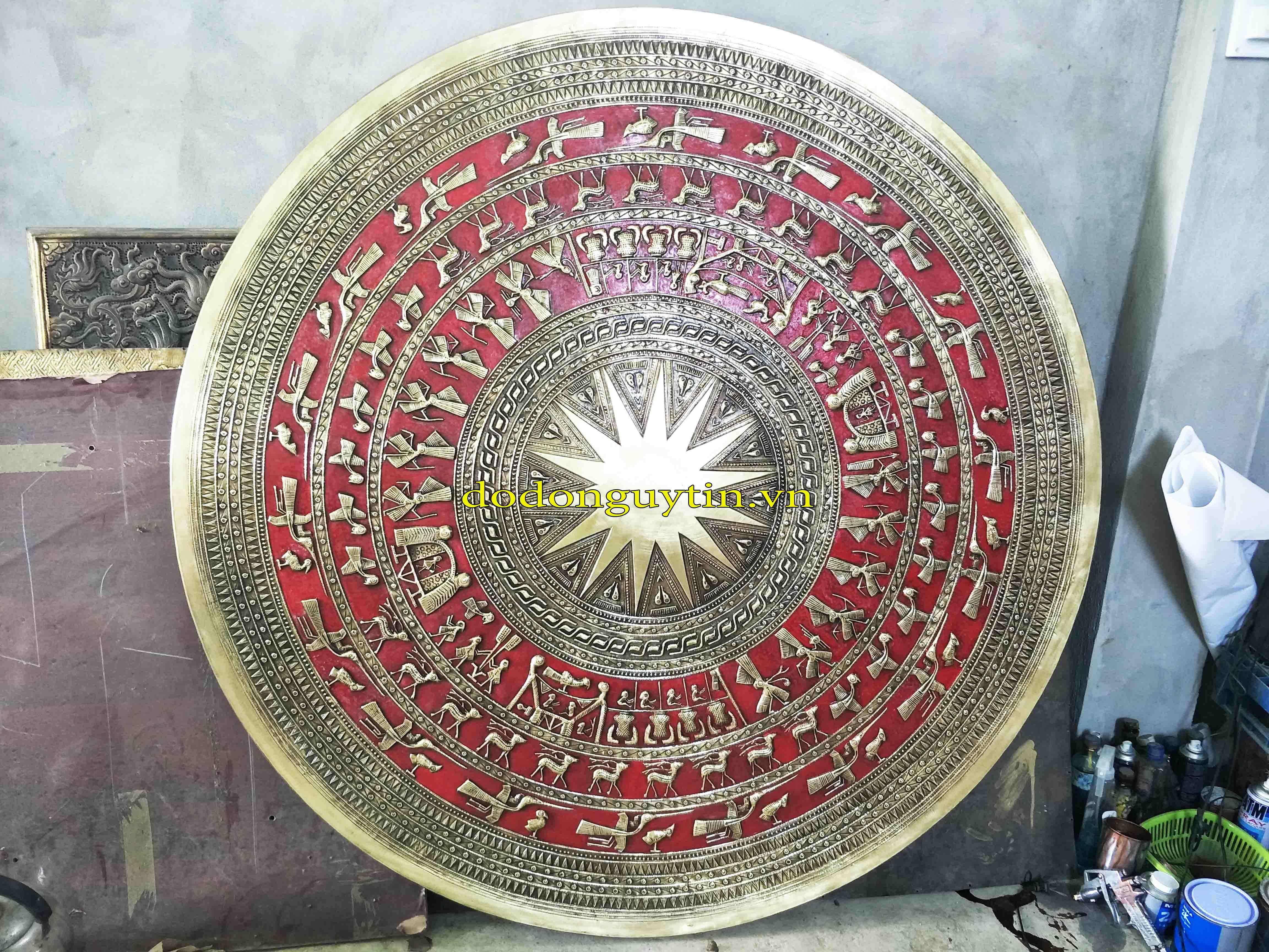 Mặt trống đồng giả cổ đường kính 1m55