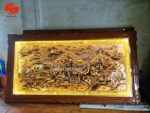 Bức tranh đồng quê đồng đỏ dát vàng