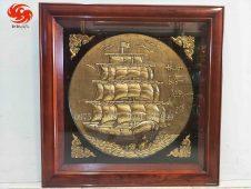 Tranh đồng Thuận Buồm Xuôi Gió chất liệu đồng vàng nhập khẩu